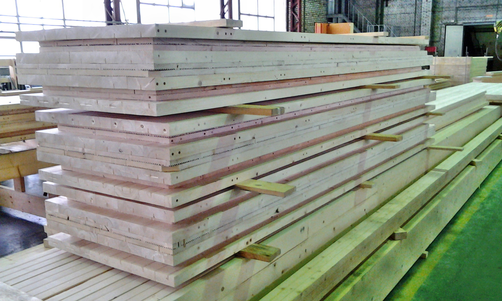 Стеновые панели на складе.